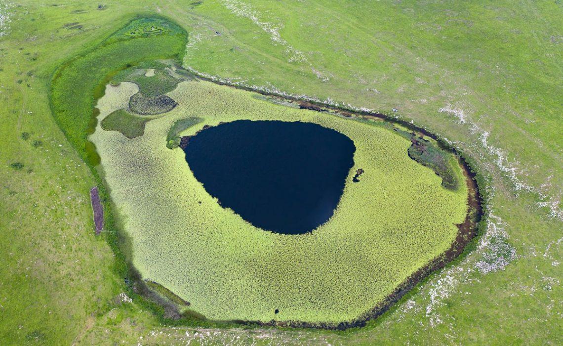 Urasar Lake of water lilies. Photo by Andranik Keshishyan